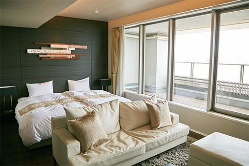 【画像3】ゲストルームは特にベッドメイキングに留意して清掃が行われている(写真撮影/中垣美沙)