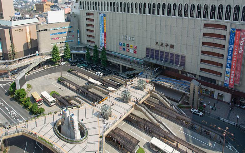【画像8】八王子駅のペデストリアンデッキ(写真/PIXTA)