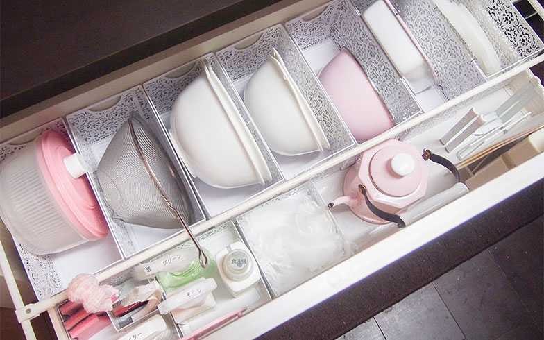 【画像2】4人家族の中村さんだが、調理器具はたったこれだけ(写真撮影/明日陽樹)