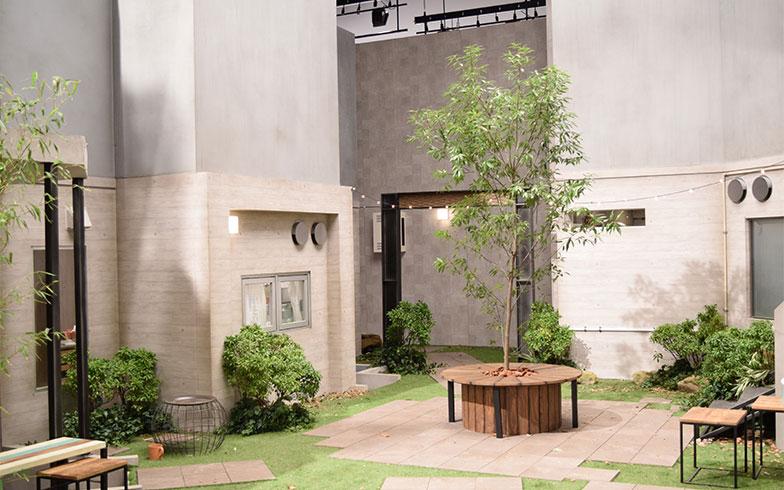 【画像11】4世帯が暮らすコーポラティブハウスの共有スペースは、ドラマでも度々登場する場所だ(撮影/末吉陽子)