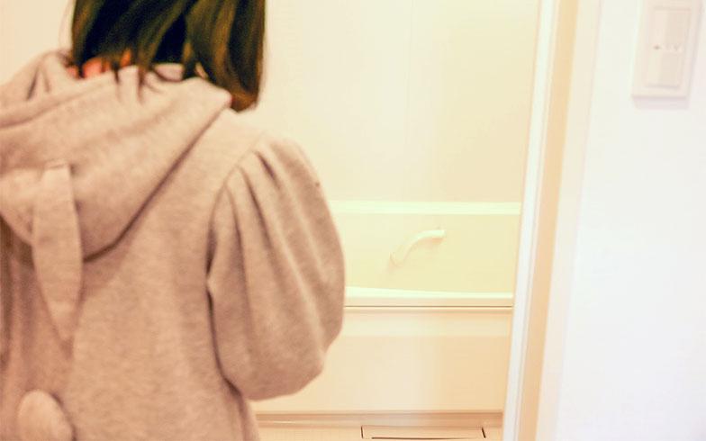 【画像14】お風呂も大気の熱を利用してお湯を沸かすエコキュートが採用されている(写真撮影/大嶺 建)