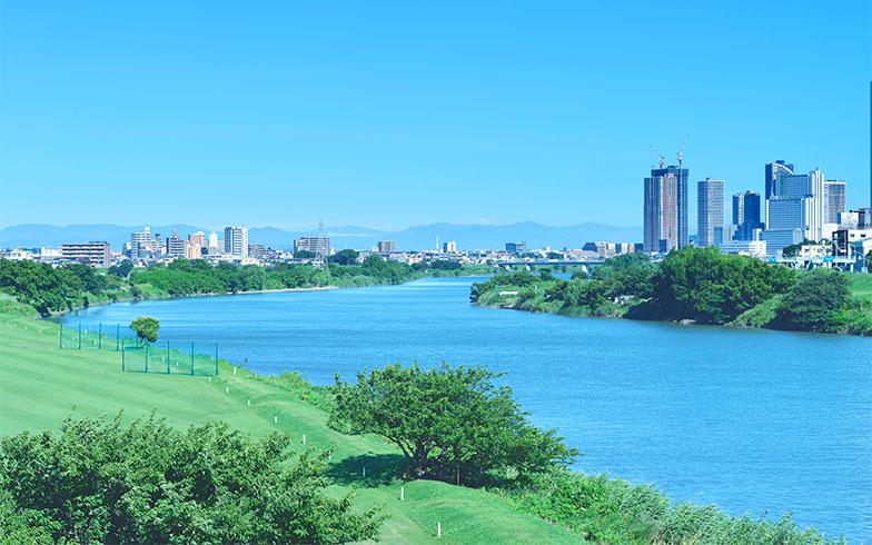 【画像1】スカイデッキからは多摩川が望め、自然環境もよい(画像提供/野村不動産)