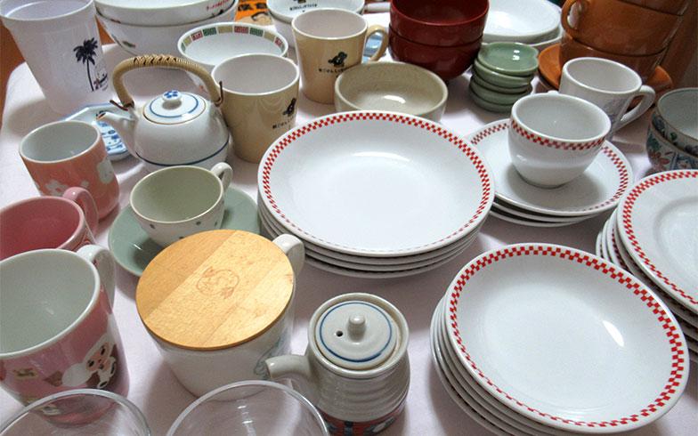 我が家の食器。しかし、日々使うのは、このなかの数枚だけ……(写真撮影/近藤智子)