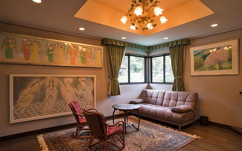 折り上げ天井で、空間に豊かさが増す寝室(写真撮影/片山貴博)