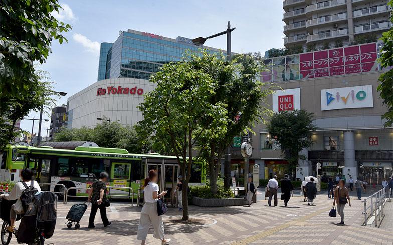 赤羽駅西口駅前(写真撮影/小野洋平)