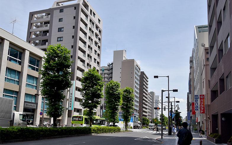 赤羽公園近くのマンション群(写真撮影/小野洋平)