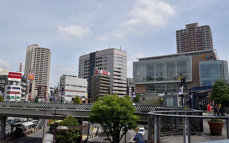 川口駅東口駅前(写真撮影/小野洋平)