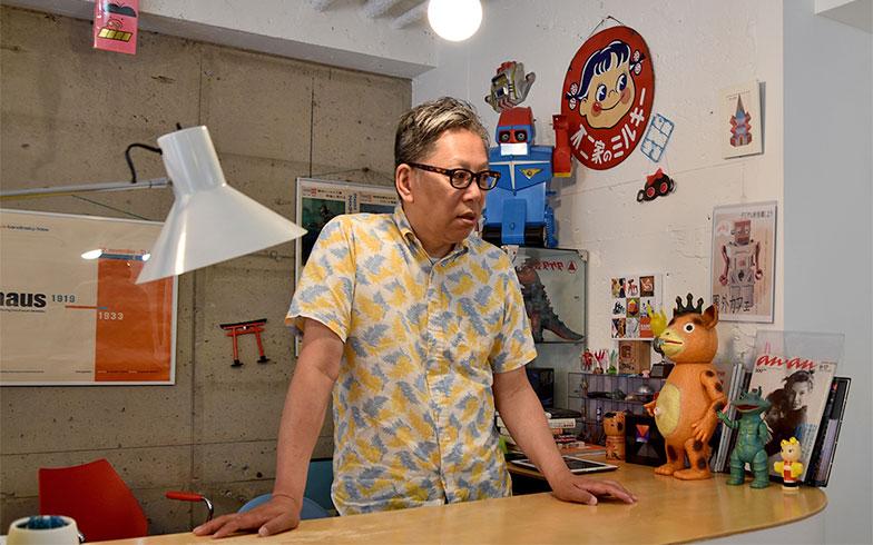 今回のガイド役は入谷で昔ながらの玩具を取りそろえる「空想カフェ」を営む神谷さん(写真撮影/小野洋平)