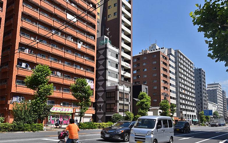 入谷駅前のマンション群(写真撮影/小野洋平)
