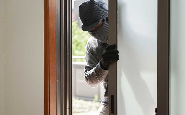 18%が自宅や近所で空き巣被害に! 夏休みの防犯対策は大丈夫?