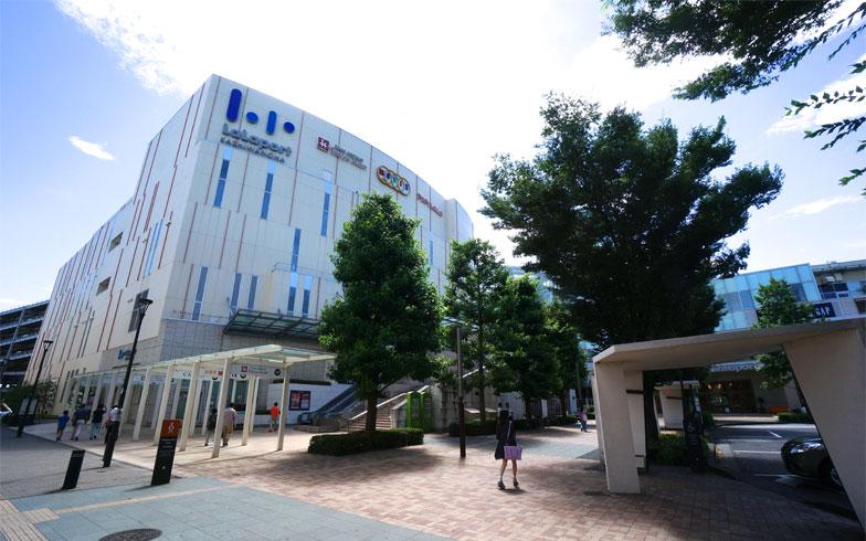 保育園は駅前の「ららぽーと柏の葉」から直結している(写真撮影/蜂谷智子)
