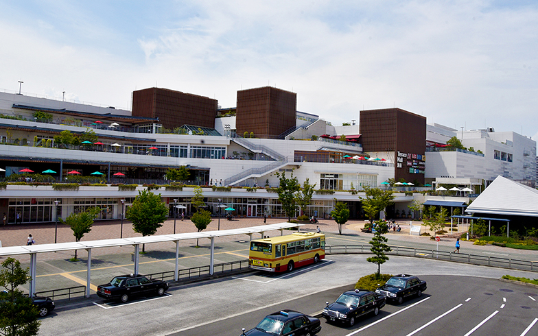 工場跡地を利用した「テラスモール湘南」には約280店舗が入る(写真撮影/小野洋平)