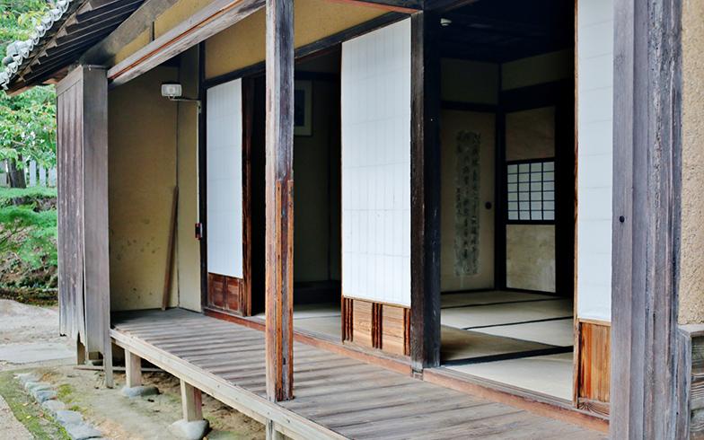 温暖化が進んだ現代、地面をアスファルトに覆われた日本の気候には、昔ながらの家はフィットしない(画像提供/PIXTA)