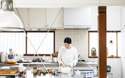 料理家のキッチンと朝ごはん[1]前編 オープン収納で取り出しやすく。桑原奈津子さんのサンドイッチレシピ