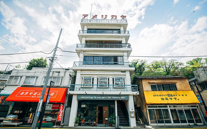商店街のランドマークとして住人に愛された商業ビル。フォトジェニックな雰囲気に新たなファンを呼んでいるとか(写真提供/株式会社アトリエいろは一級建築士事務所)
