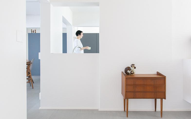 好きなものが常に目に入るような間取りと壁や床の色に仕上げています(画像提供/株式会社水雅)