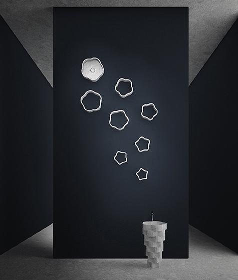「antoniolupi」は、〈antoniolupi GALLERY〉と題し、プロダクトをアート作品のように展示。音響ブランドの「K-array」とのコラボが、プレゼンテーションを盛り上げる(写真提供:antoniolupi)