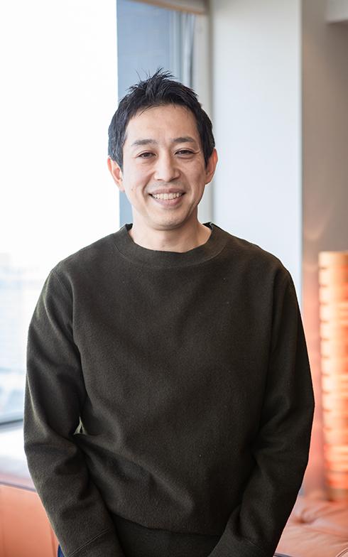 柔和な笑顔が印象的な越川慎司さん(写真撮影/片山貴博)