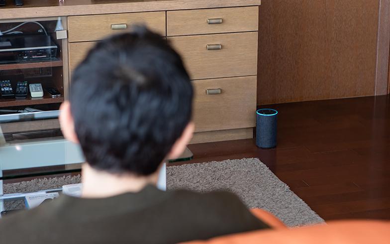 音声で家電を操作し、家事も自宅も快適化させていく(写真撮影/片山貴博)