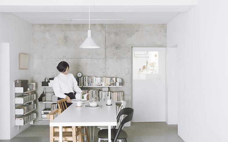 グラフィックデザイナー葉田いづみさんの余白を生かした美しい空間 その道のプロのこだわりの住まい[5]