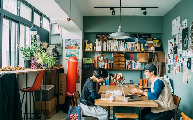 台湾の家と暮らし[1] 20代アーティスト夫婦のインダストリアルなDIY賃貸アトリエin台北