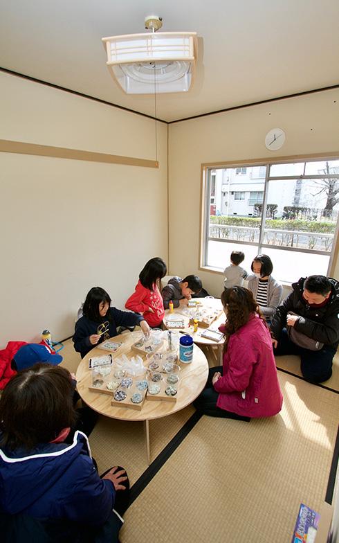 畳スペースにはおもちゃも用意されている(写真提供:大阪府住宅供給公社)