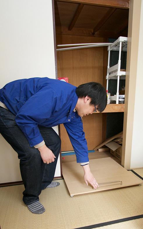 団地押入れサイズにDIYで仕上げた収納用カート(写真撮影:井村幸治)