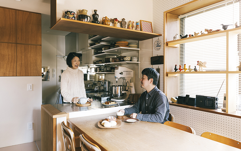 切り絵作家YUYAさんとパン・お菓子研究家スパロウ圭子さんの狭さを活かした一軒家 その道のプロ、こだわりの住まい[6]