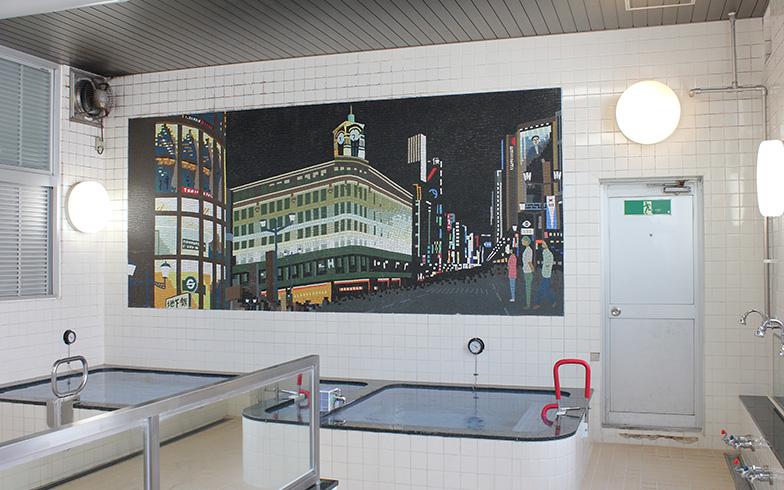 2階男湯のタイル壁画は銀座4丁目交差点(写真撮影/保倉勝巳)