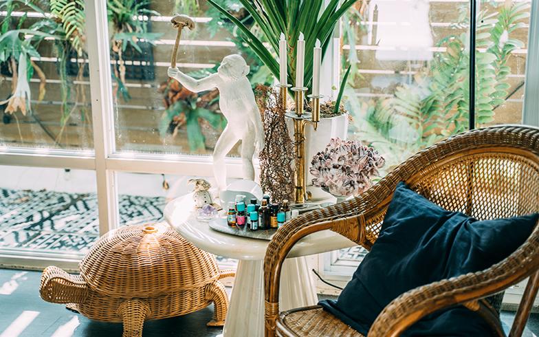 家具や置物はデコラティブなものが多いが、ほぼ台湾製だそう(写真提供/KRIS KANG)
