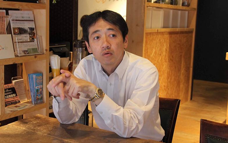 墨田区商店街連合会の井上さん。当初の想定よりも「PayPay」の実証実験に参加する店舗が増え、商店街連合会としても手応えがあったよう(写真撮影/SUUMOジャーナル編集部)