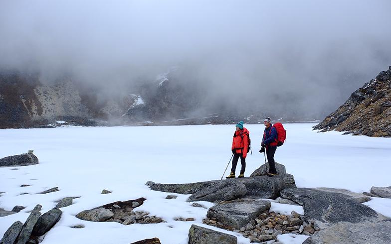 ヒマラヤ登山をする野口さんと絵子さん(写真提供/野口健事務所)