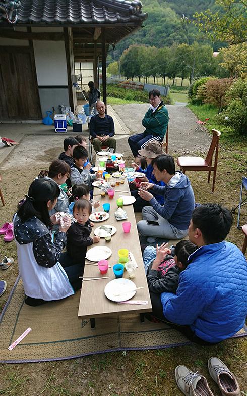 娘夫婦の友達とその子どもたちもいっぱい遊びに来て夏を過ごすのも年中行事に(写真/ご本人提供)