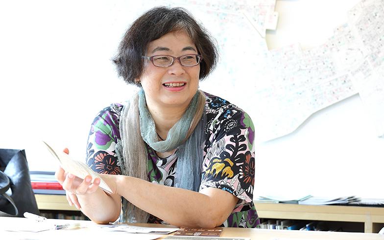 NPO法人たいとう歴史都市研究会理事長の椎原晶子さん。大学時代に「上野・谷中・根津・千駄木の親しまれる環境調査」に関わったことから住み始め、この街の地域文化の継承に関心を持つようになった