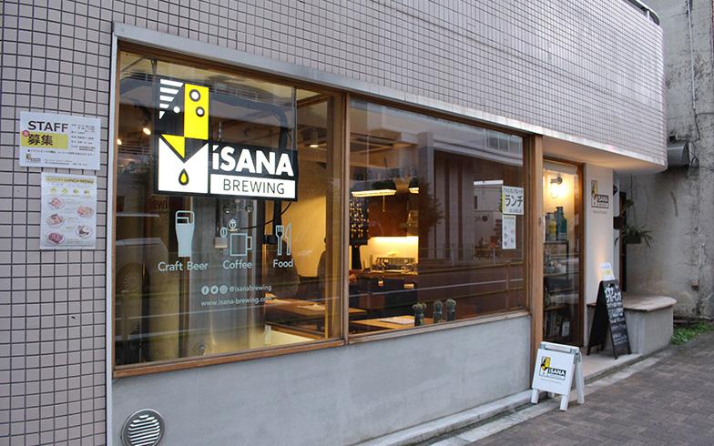 店は昭島駅から徒歩3分の大師通り沿いにある(写真撮影/SUUMOジャーナル編集部)