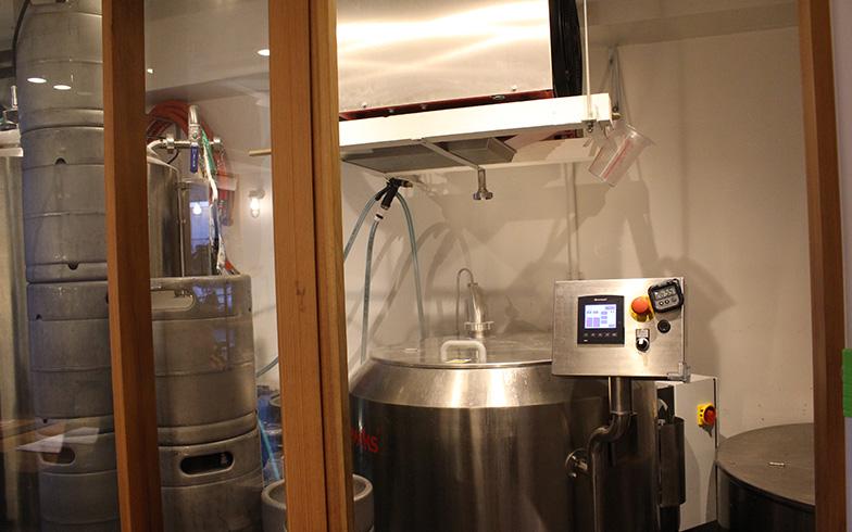 醸造コーナーには千田さんが小樽で感動した麦汁の香りが充満(写真撮影/SUUMOジャーナル編集部)