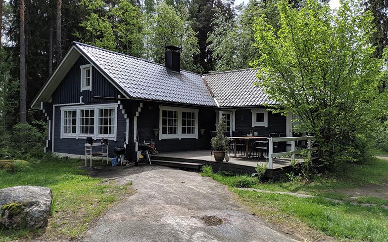 平均29平米といわれるサマーハウスのなかでは、平屋でかなり大きめのサイズ(写真撮影/SUUMOジャーナル編集部)
