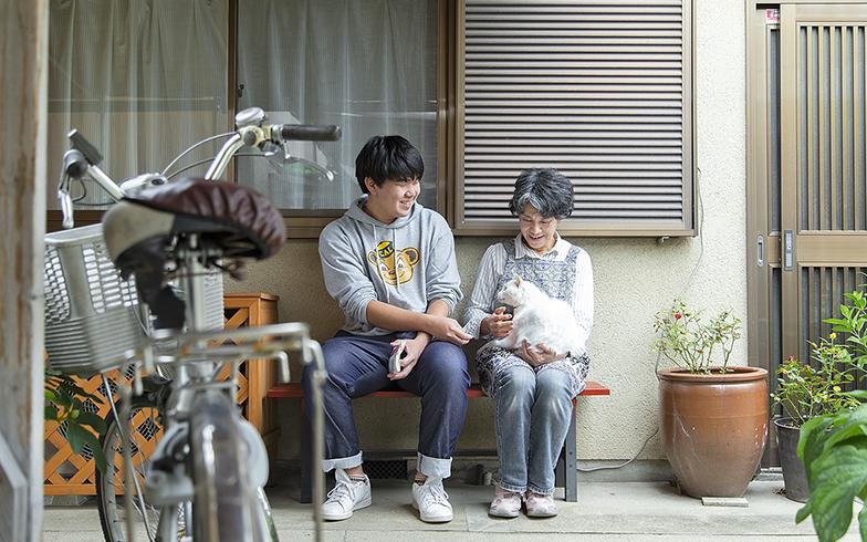 学生と高齢者、互いの「距離感」を大切に。次世代下宿「京都ソリデール」の暮らし
