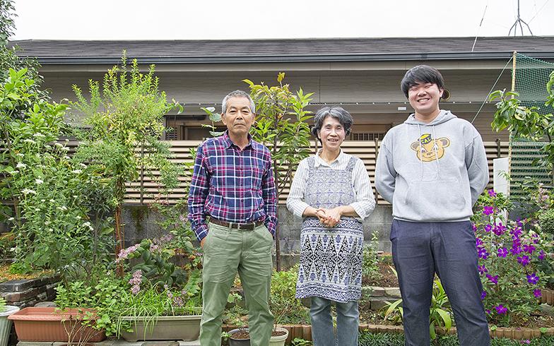 庭の「ふじばかま」や「ほととぎす」は岩井さん(夫)が丹精こめてつくったミニ里山(写真撮影/出合コウ介)