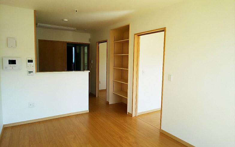 2LDKタイプの居室。収納スペースも確保されている(写真撮影/四宮朱美)