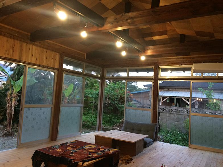 大工の中村さんのこだわりが詰まっている天井(画像提供/HUB a nice d!)