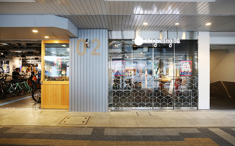「PLAYatré TSUCHIURA」の1階にある「りんりんスクエア土浦」内に店舗を構える「le.cyc土浦店」。レンタサイクルや販売のほか、修理や情報発信、さらにはサイクルイベントも行っている(写真撮影/相馬ミナ)