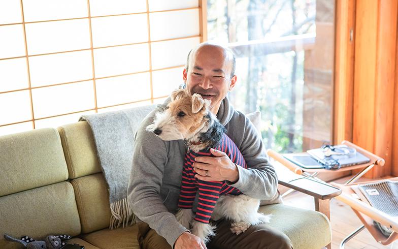 常に犬とともに暮らしていたOさん。グラム君は3代目の愛犬 (写真撮影/片山貴博)