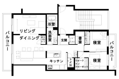 80.19平米・2LDKのマンションの玄関と寝室の間のスペースを利用。LD側の窓とバルコニー側の窓を開けると家中に風が通り、家全体が気持ちの良い空間となる(画像提供/リノベる。)