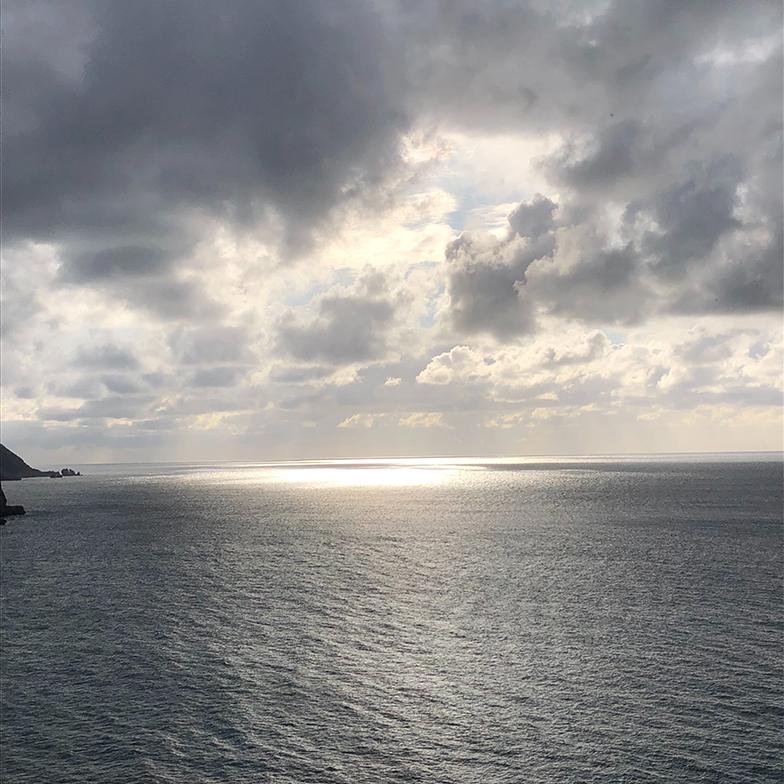 五島列島での風景。オフシーズンにリモートワーカーを招く取り組みで、参加費にタクシーチケットが含まれるので、運転免許を持っていない方でもOK (写真提供/一般社団法人 みつめる旅)
