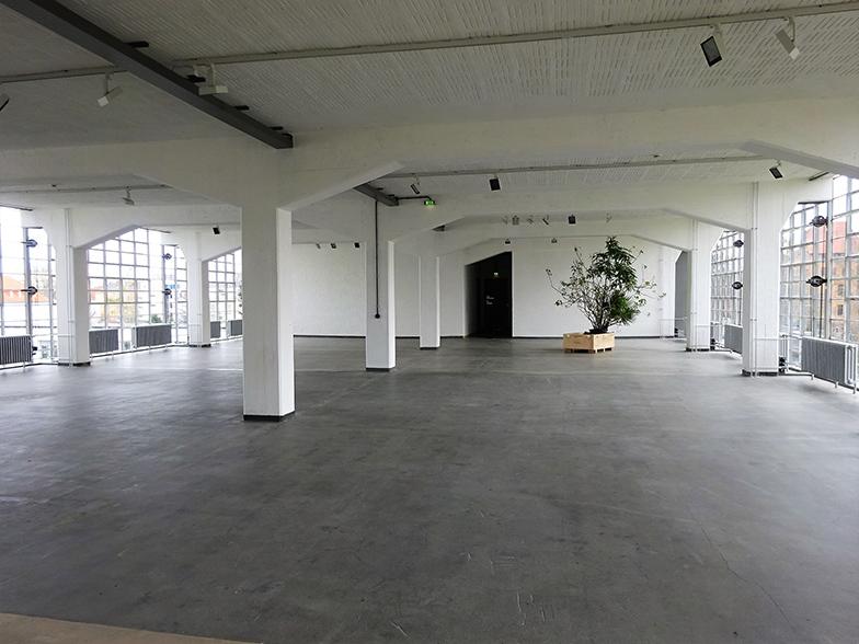 工房棟1階(日本でいう2階)の「染織」の部屋