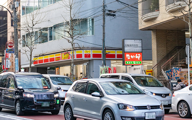 なか卯とデイリーヤマザキ。普段づかいできる貴重な店舗たち(写真撮影/辰井裕紀)