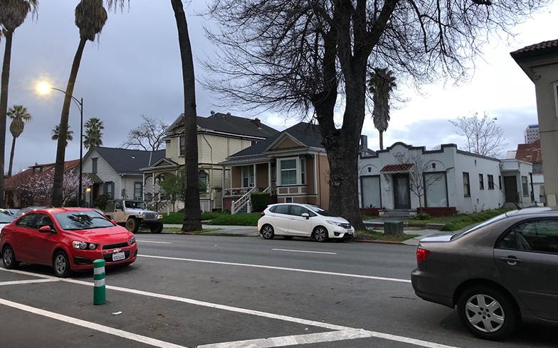 広々とした米国サンノゼの通り。米国は日本と比較して道が広い(写真撮影/田中森士)