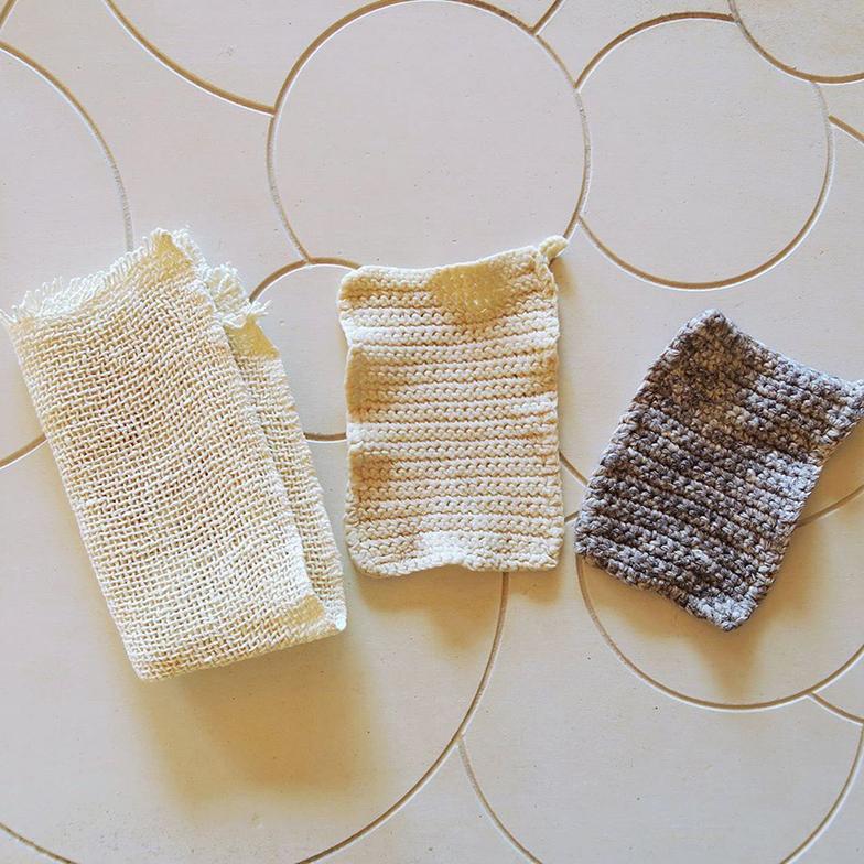 合成繊維(プラスチック)の食器洗いスポンジの代わりに使える綿たわし(写真提供/プラなし生活)