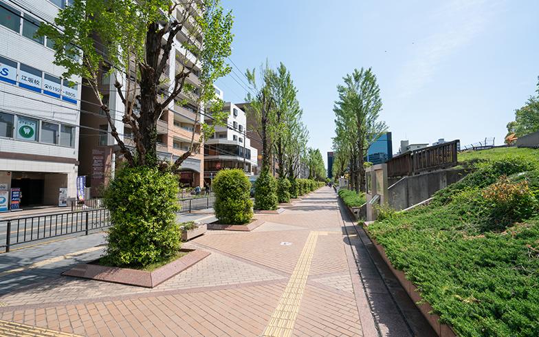 江坂駅周辺の風景(写真/PIXTA)